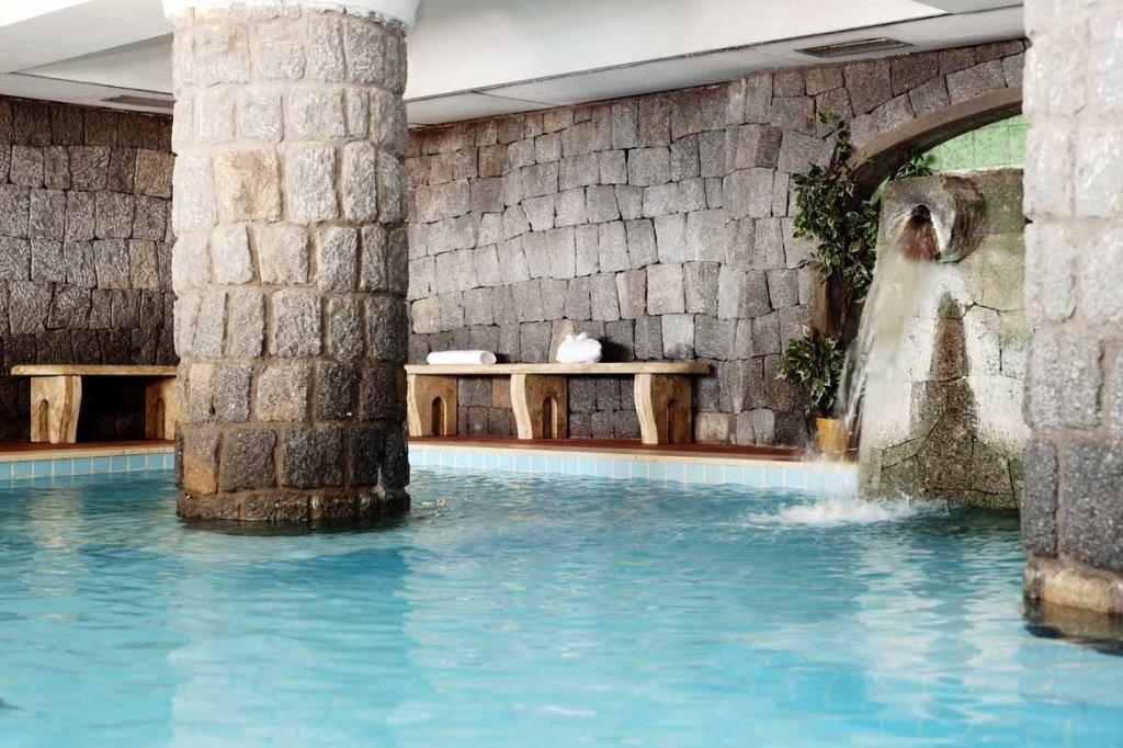 Hotel ischia in offerta con last minute e promozioni di alberghi e pensioni a ischia - Piscina san giuliano terme orari ...