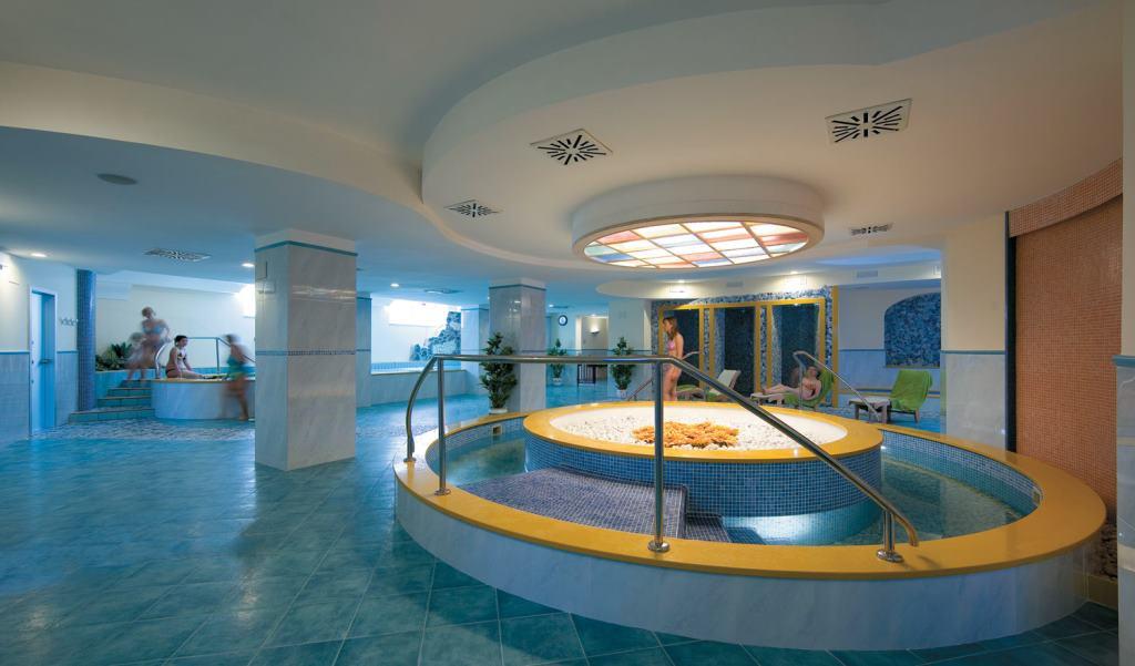 Hotel ischia in offerta con last minute e promozioni di for Soggiorno a ischia last minute