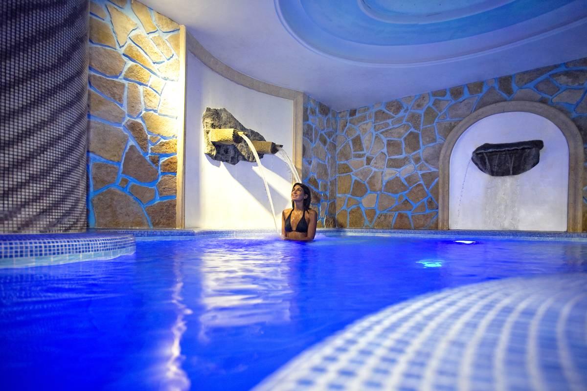 Hotel ischia in offerta con last minute e promozioni di - Alberghi saturnia con piscina termale ...